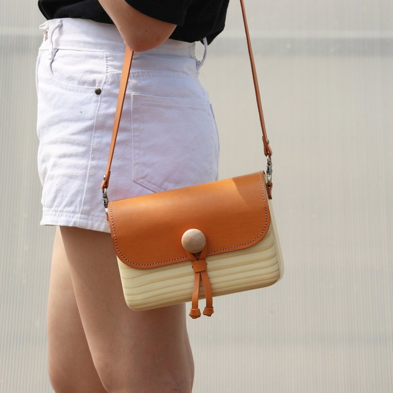TK wooden bag (tan)