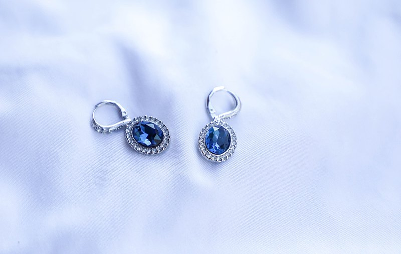 [The United States brings back Western jewelry] 1990 vintage Givenchy ocean blue diamond earrings