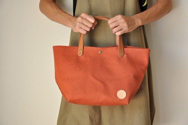 HB08 中帆布包–緋橘
