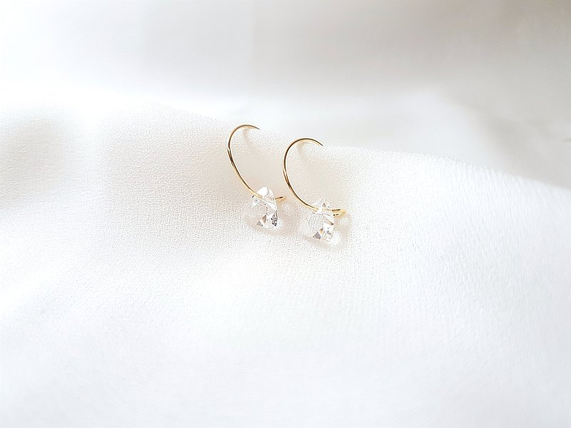 The Image of Light‧ Triangular Cut Clear Soft Metal Hoop Earrings