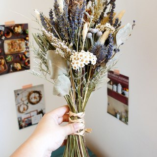 Hand dry flowers / not withered wedding dress series ~ South France rural lavender hand tied bridal bouquet / photo props / country wind wedding / hand tied bouquet ~