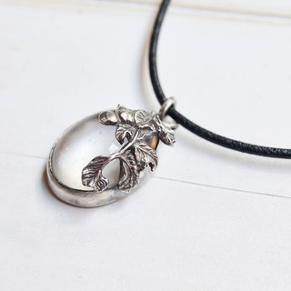 Water foam three-dimensional flower engraved silver necklace