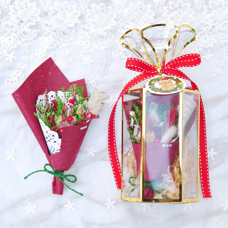 Mini Dry Bouquet Gift Box - Merry Christmas Attached Card
