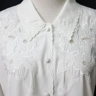 [RE0407T1935] Department of Forestry retro flower embroidery chest white vintage blouse