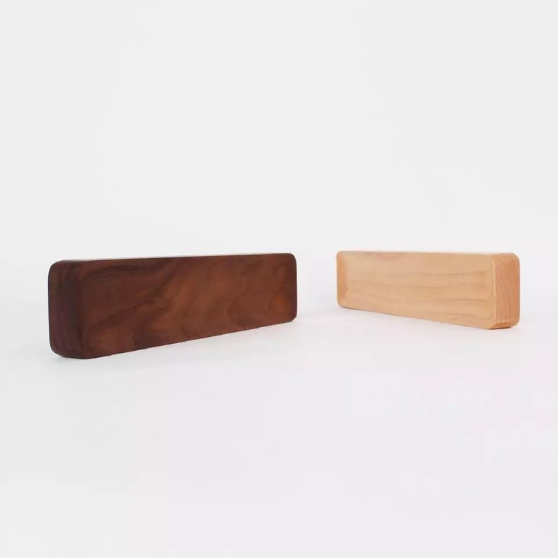 Beladesign. Wooden pen holder Paperweight