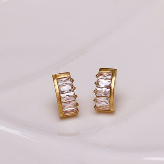 Zircon earrings meniscus