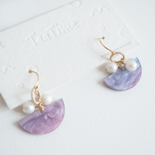 Teatime half moon type pale purple light blue earrings ear clip