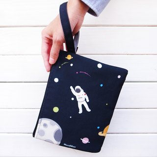 An astronaut canvas clutch bag (black)
