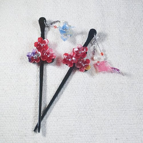 Wings, three cherry hairpin, hair plug - red