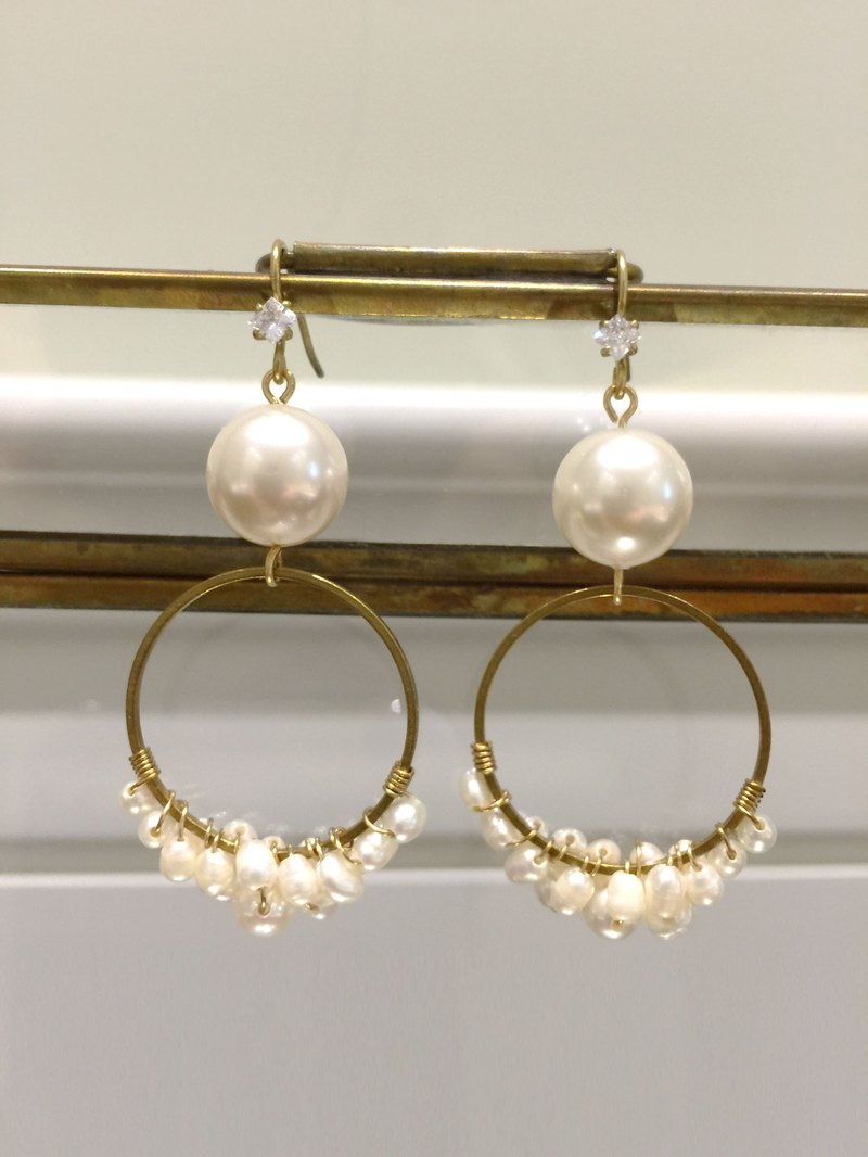 +Minertés=Pearl ‧ Circle Earrings + Valentine's Day Gift