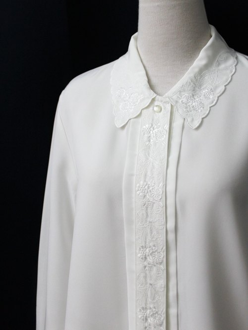 [RE0407T1953] Nippon Department of Forestry retro flower embroidery elegant white collar vintage shirt