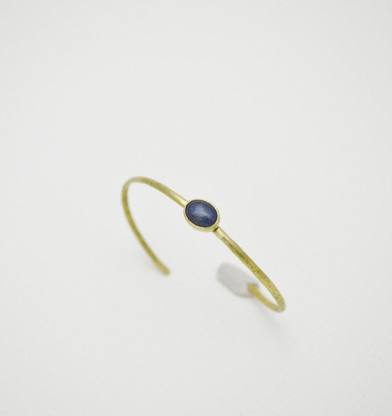 簡單小石系列-藍晶石‧黃銅手環