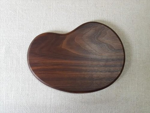Walnut's bean cutting board large