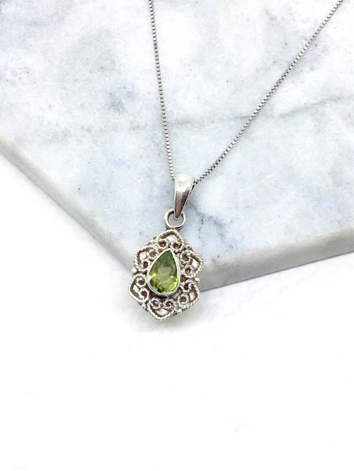 Peridot 925 sterling silver heart-shaped lace necklace Nepal handmade mosaic production (style 2)