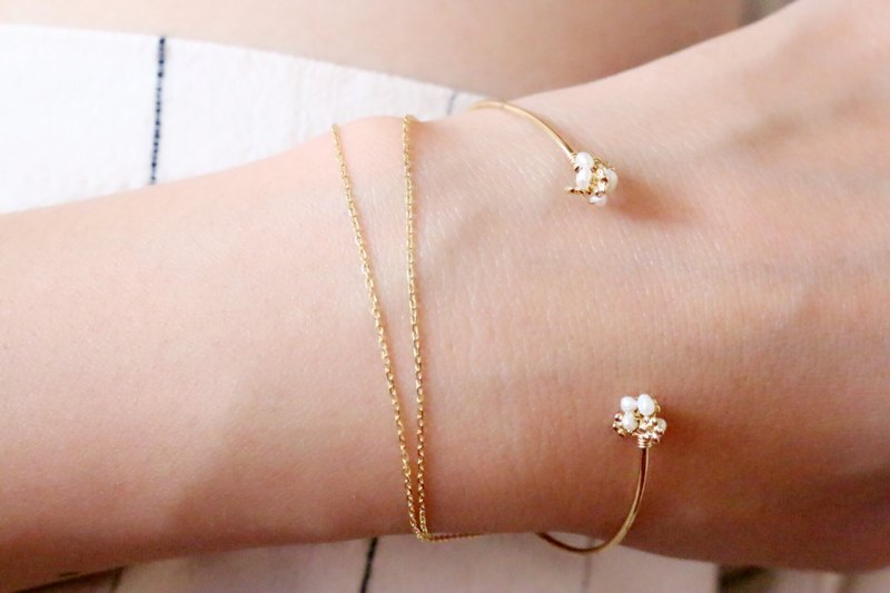 Natural Pearl Brass Bracelet 1024 Gypsophila