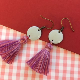 White x 藕 powder round tassel ear hook earrings