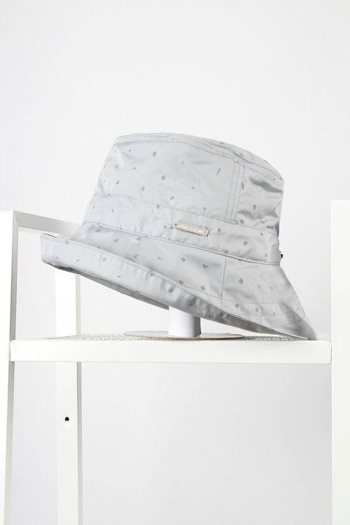 Reflective storage hat