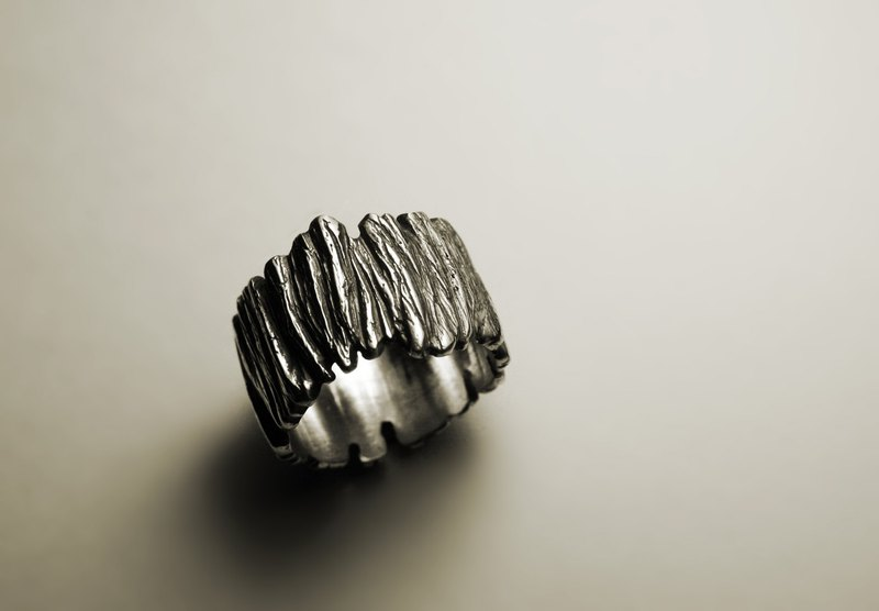 Thick tree leather silver ring