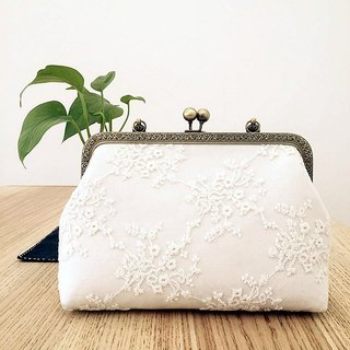 Can be embroidered name custom mouth gold bag cheongsam bag Messenger bag embroidery flower iphone phone bag phone bag oblique bag bag bag birthday gift bride bag white