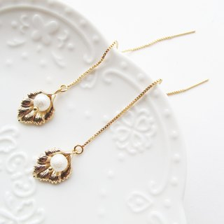 Rosy Garden Golden leaves with cotton pearl earrings