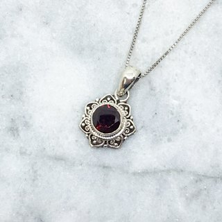 Garnet 925 sterling silver elegant lace necklace Nepal handmade mosaic production