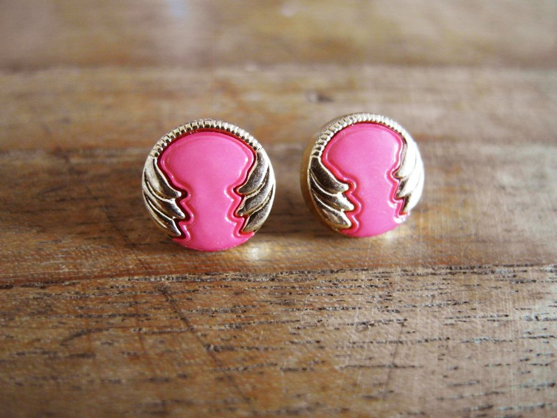 Time Travel【vintage handmade earrings:Me with pink hug】