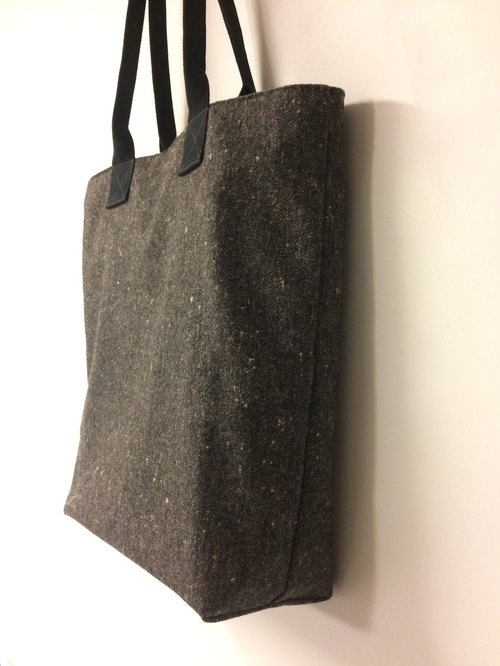 Iron gray wool heart Tote shoulder bag