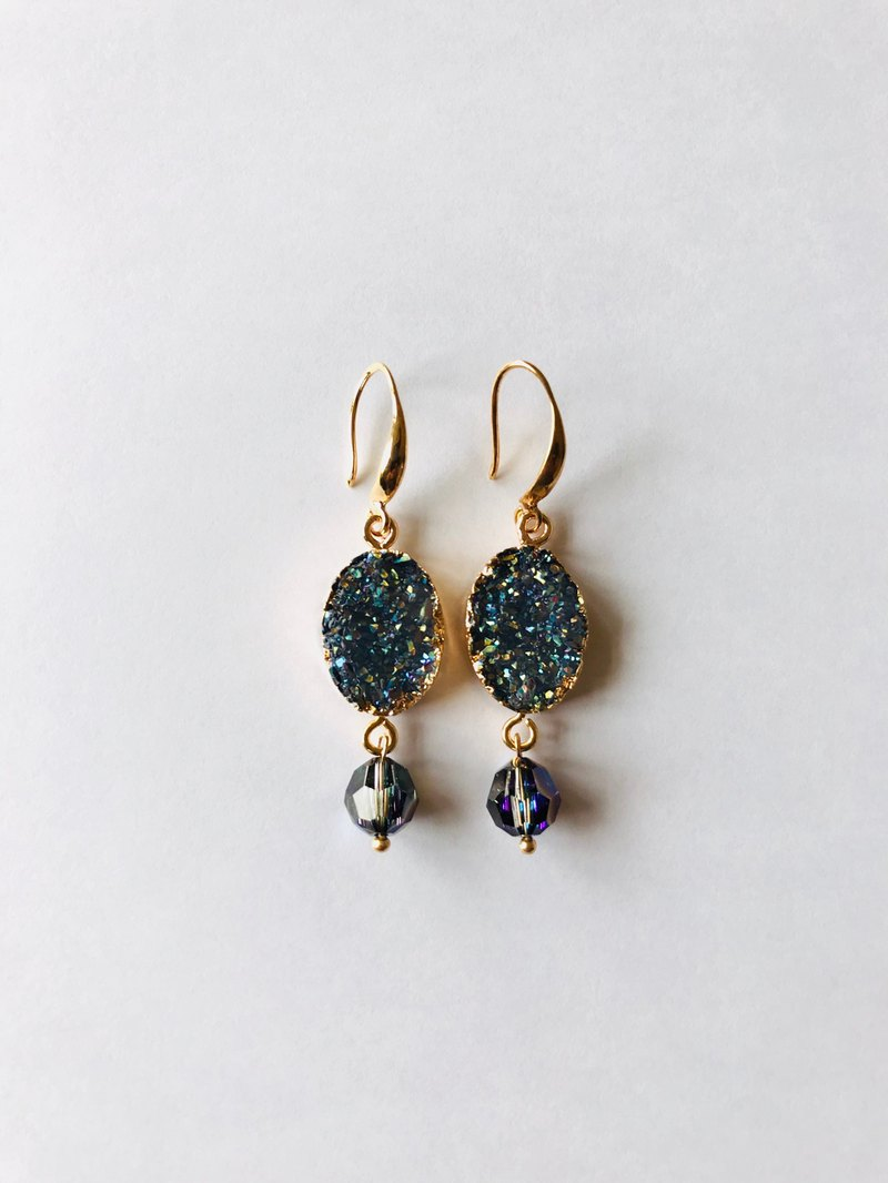 Simulated ore earrings with Swarovski crystals