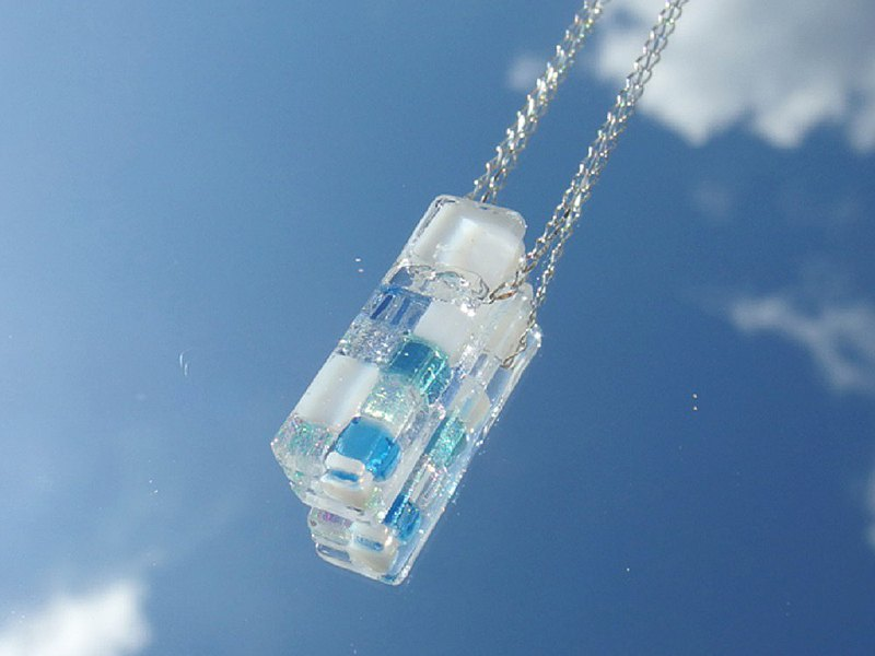 Snow glass (Yuki [mini] white snow) Chain necklace [Cotton string, silver 925 can be selected] [Made to order]