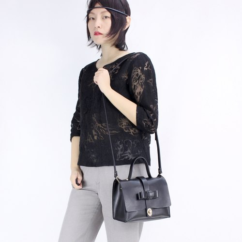 Zemoneni Tokyo Black color leather lady cross body shoulder bag