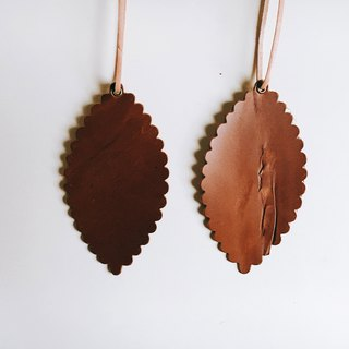 [A set of two] unique texture version - leather leather - travelers bookmarks / Charm (light brown) - Free customized English name / Sentence typewriting service