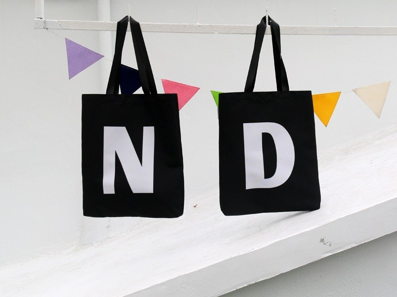 SNUPPED uppercase letter shopping bag / black