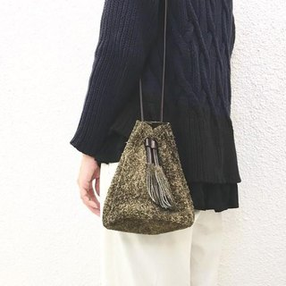 """Genuine leather"" Angora velor with a tassel 2 WAY Drawstring bag [Khaki]"
