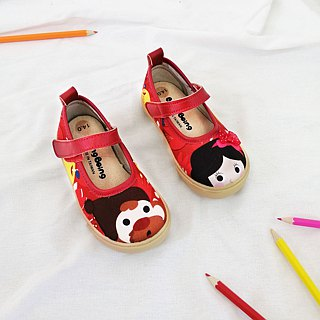 Illustration doll shoes - red / radiant white snow children's shoes