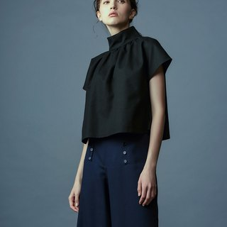 Black stand-up sleeveless top