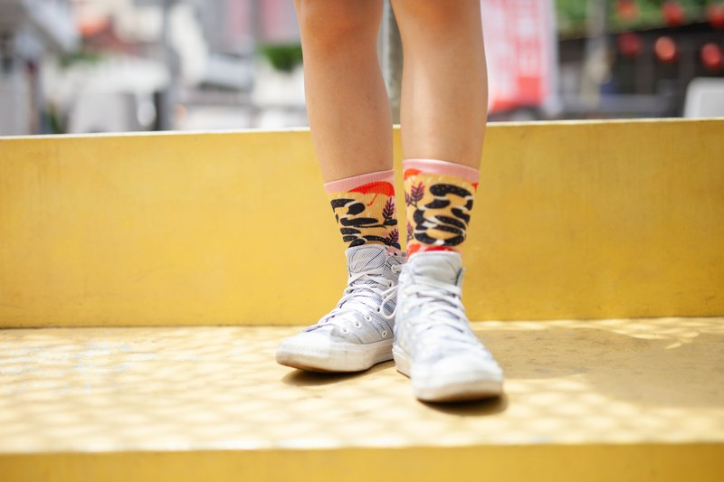 [Treasure Island Coffee Stamp] Xiao Chuang Socks - Umbrella Festival