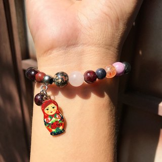 [Lost and find] natural stone Russian doll bracelet on the designer's table