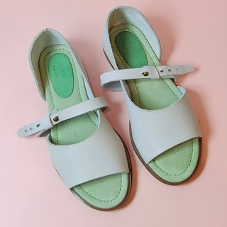Picture #8065|| Calfskin Cutout with Two Open-toe Shoes Almond Milk||