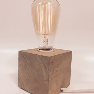 Wood table lamp. Wu Xin Shi 9*9*9