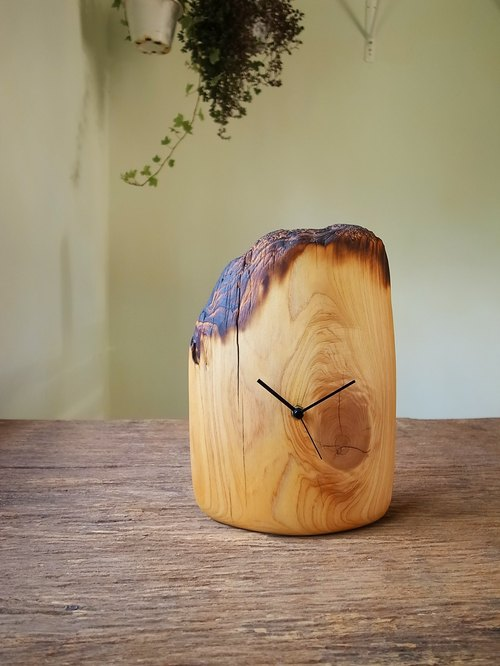 Mountain two cypress flower / hand made / logs / clock / mute