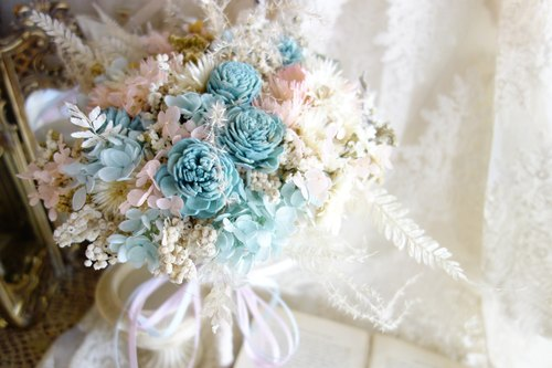 Wedding floral series ~ romantic pink blue round bouquet