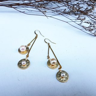 Copper Handmade_Draped Round Pearl Earrings
