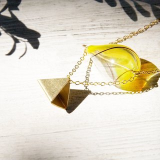 / Geometric wind / French striped mouth-blown glass necklace short chain ossicular chain length - the pyramids of Egypt under the warm sun