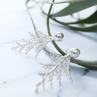 A pair of 925 sterling silver snow cypress earrings in the forest (can be used in 2 ways)