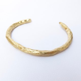 Irregular brass bracelet - thick