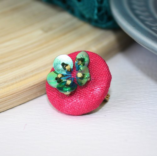 handmade green floral brooch,  round floral pin