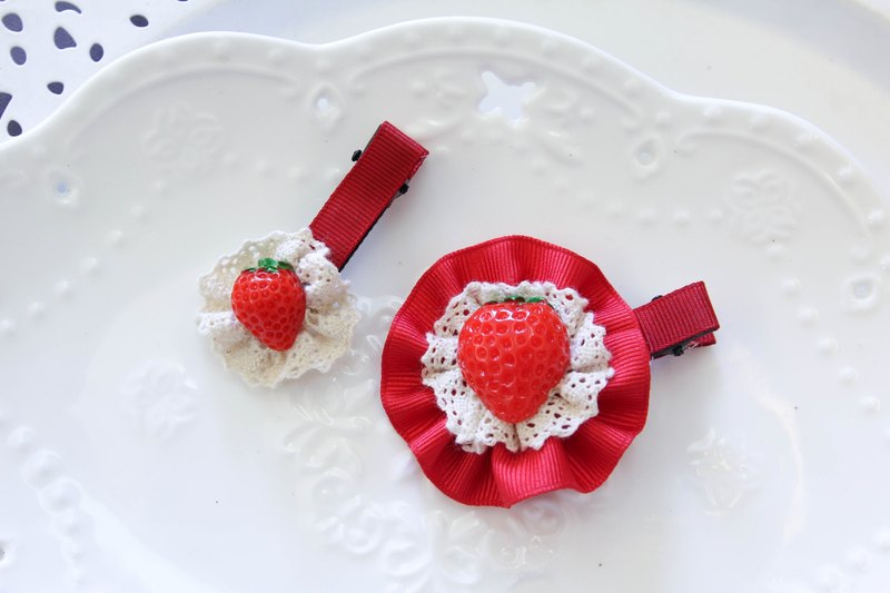 Sweet House Strawberry baby hairpin group