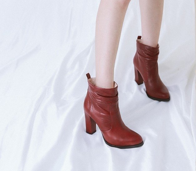 Rough big leather wide leather high-heeled boots red