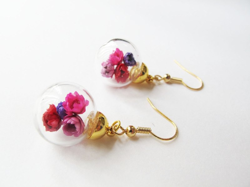 Rosy Garden Dried Daisies  inside glass ball earrings