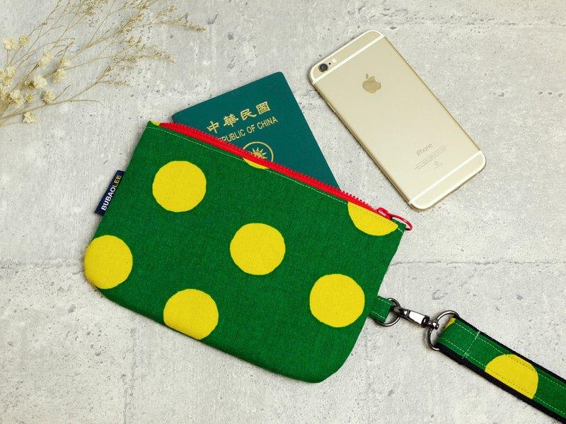 少婦的手提包│5.5吋手機專屬:::大圓點系列。綠底黃點